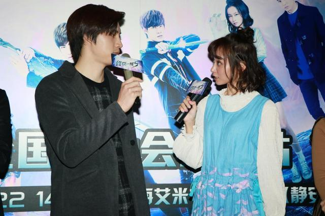 娱乐 正文  宏正饰演的辜战在剧中不仅动作戏频频,还与文雨非饰演的