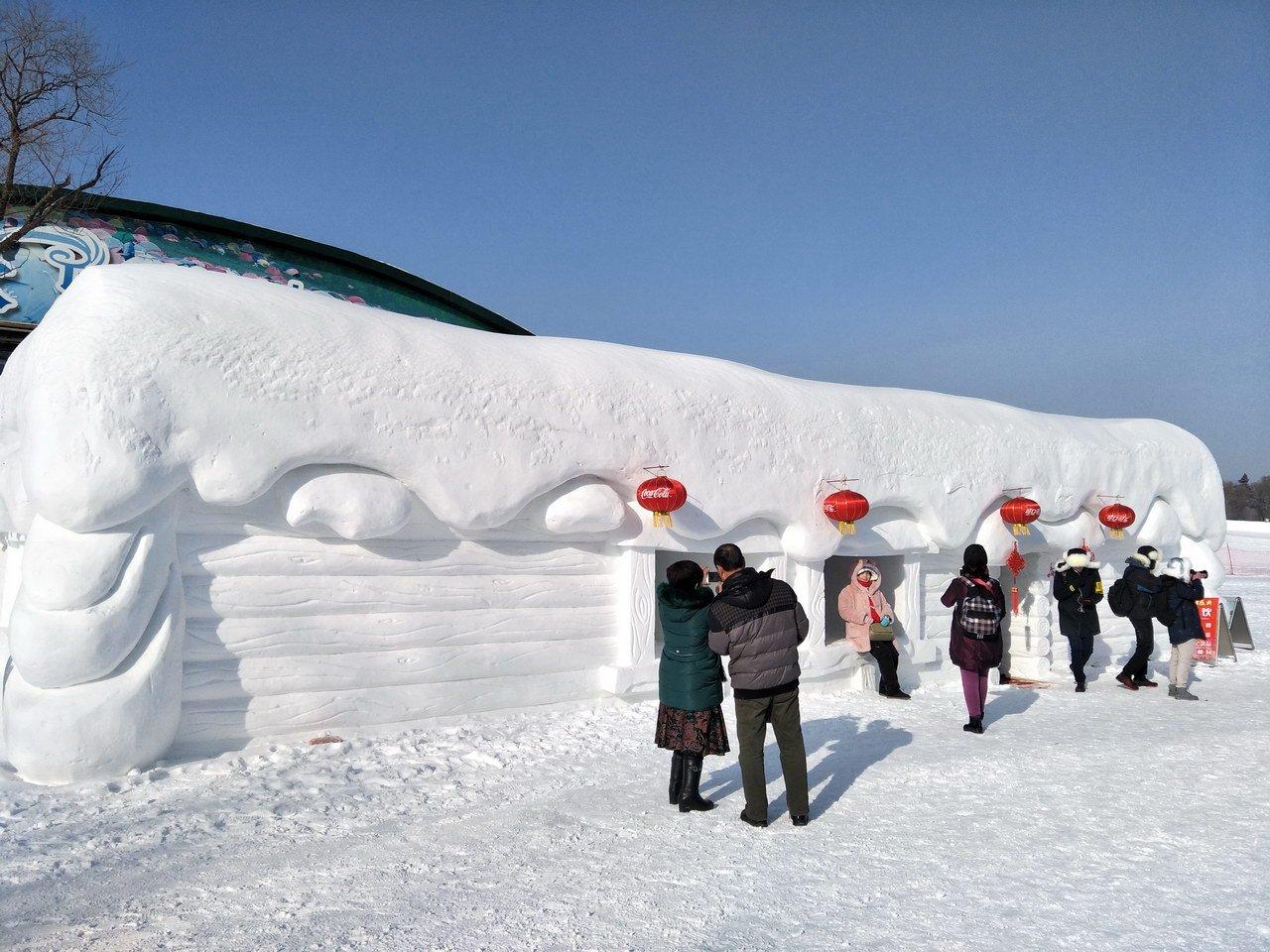 从依然短袖的南方飞到冰雪天地的北国哈尔滨,在香格里拉玩爽了