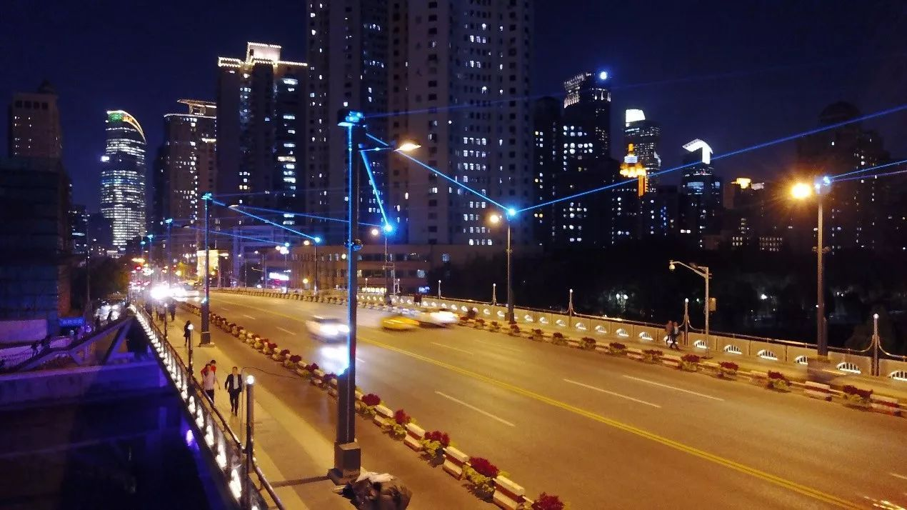 【全球首创】上海恒丰路桥景观灯光改造设计图片