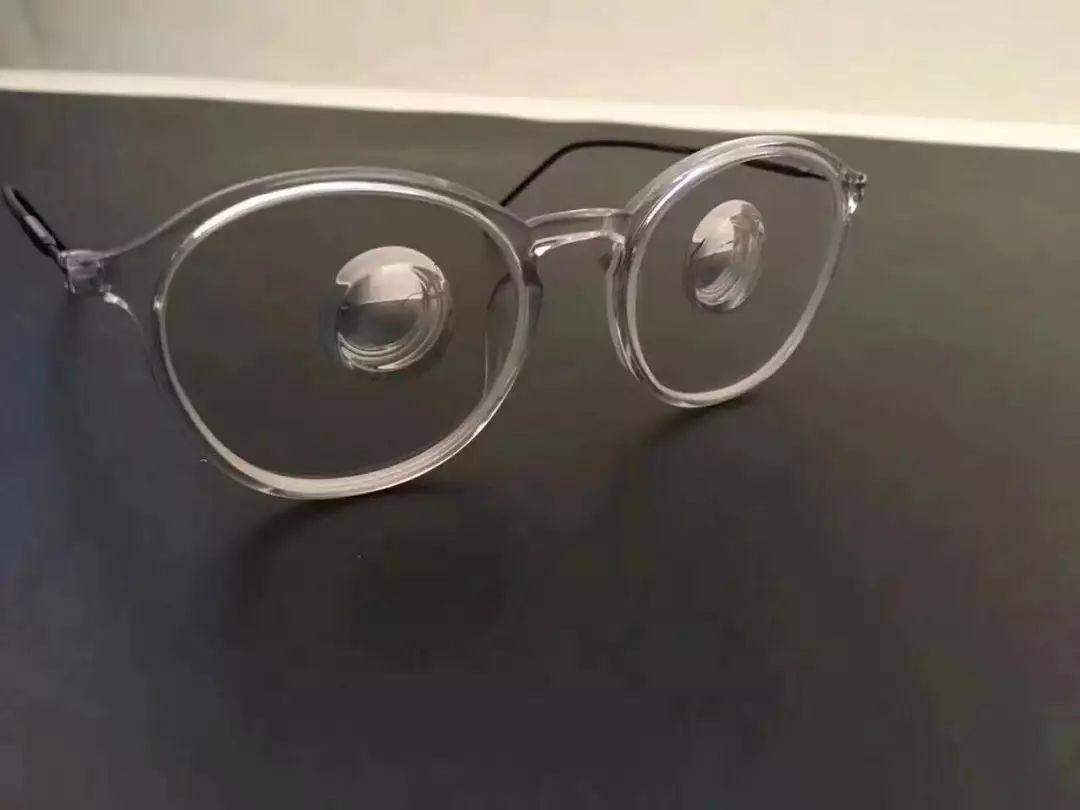带平光眼镜会近视吗_高度近视能带隐形眼镜吗?