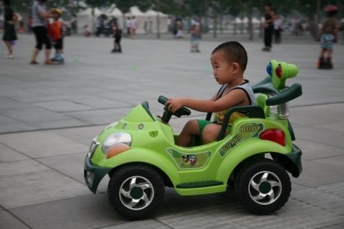 深圳 哪有遥控飞机的零件 要批发墟市那种 感谢
