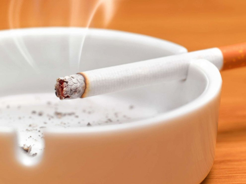 每天抽1支烟也会增加心脏病、中风的风险