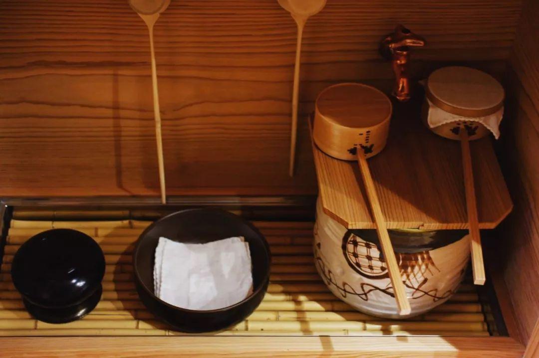 网红店陷倒闭潮,东京的这些百年老店却在岁月中守住了时髦