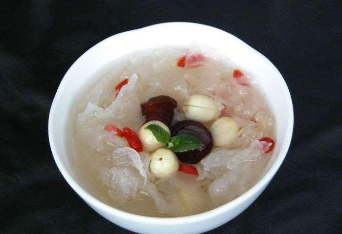 广东人煲汤好喝 其实他们煲的糖水更加滋补美味,更好喝
