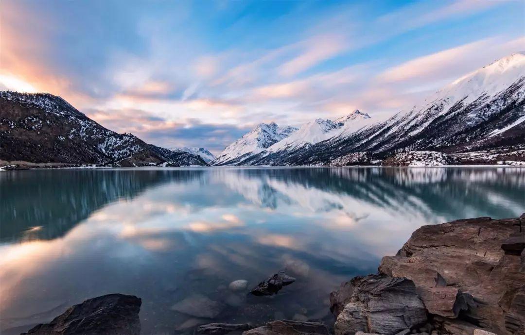 四季变化,莽措湖的美带着生命力.