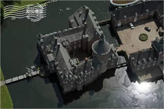 水中的私家城堡  安霍尔特