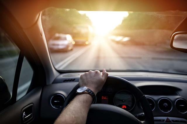 汽车每天短距离行驶和长时间停放,对车的危害很大