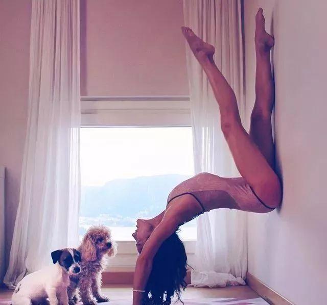 你一定收藏过她的瑜伽美图,真心美