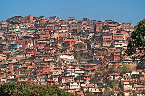 孟加拉gdp_孟加拉国领土14.7万,为何能有1.7亿人口 这是好事还是坏事(2)