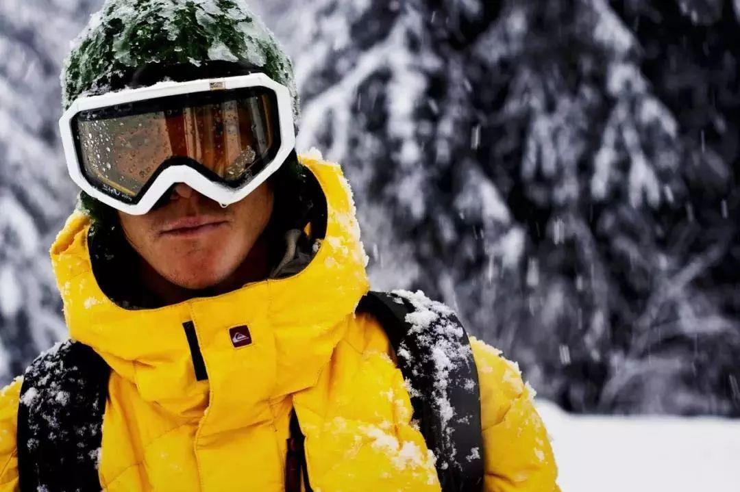 真正的滑雪大神,没有雪也能滑遍全世界!