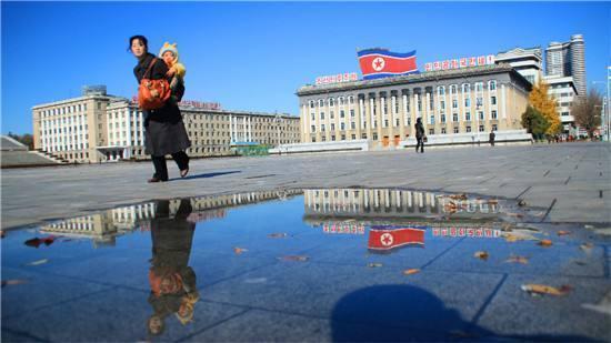 全程安保人员贴身保护,这就是在朝鲜的旅游方式
