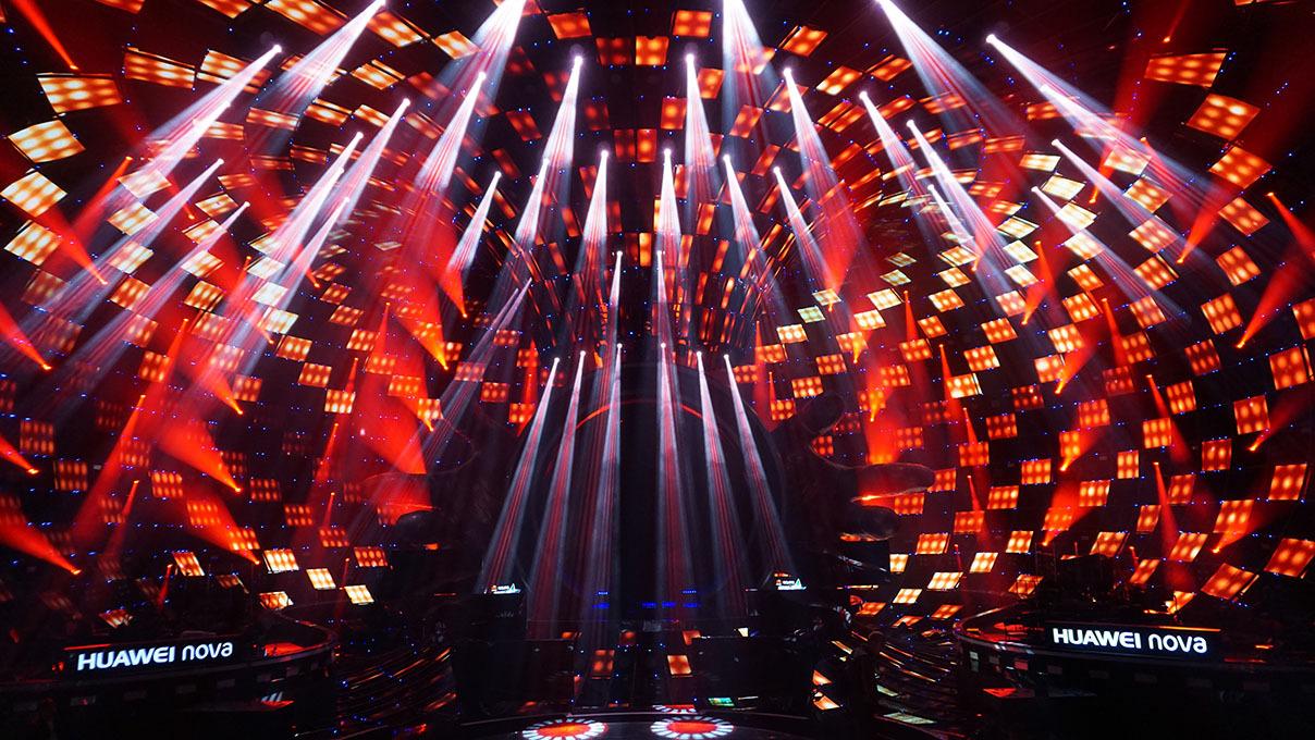 浙江卫视《梦想的声音》第一季由浙江卫视推出的一档大型圆梦节目
