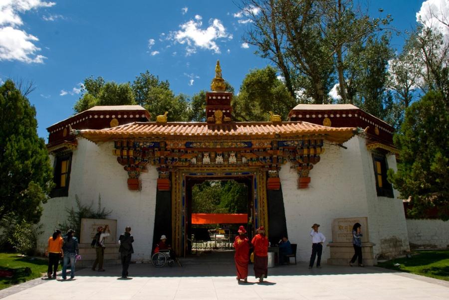 西藏拉萨有个关帝庙,你知道在哪儿么?