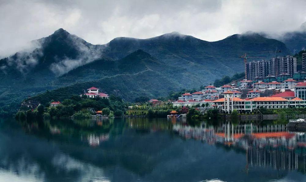 泰和山风景区,灵山秀泽,天地泰和,山水相依,融合了儒释道三教的精髓.