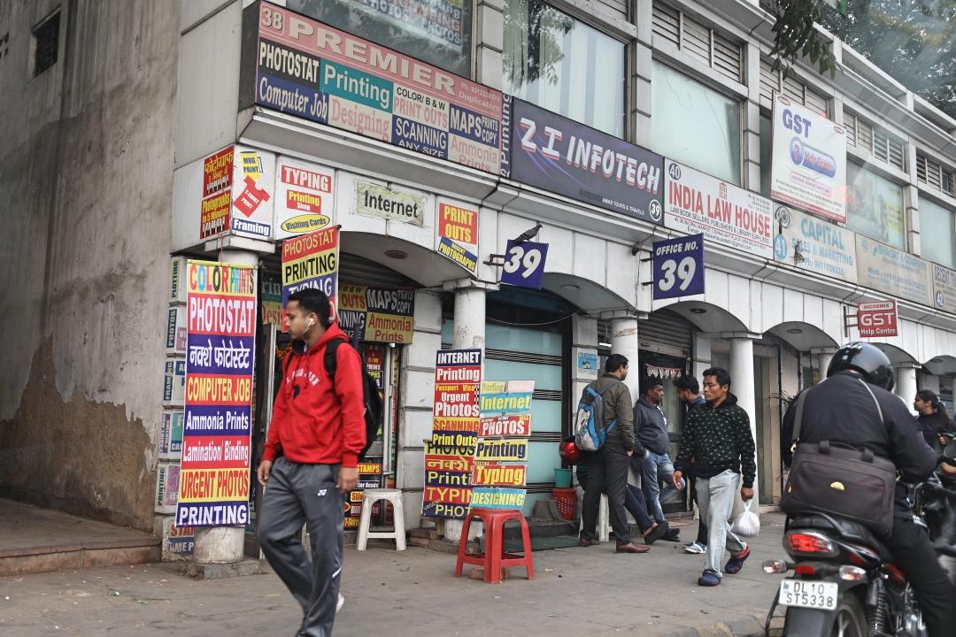 印度新德里街头粉尘飞扬,正宗的印度餐却美味无比