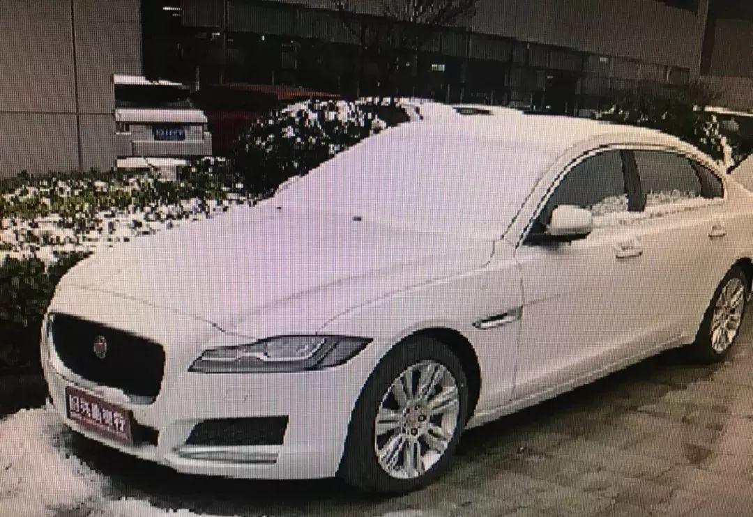 女子在绍兴4S店刚提的新车,一上路12分全扣光!