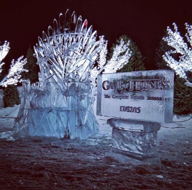 """与其做""""居里夫人"""",为何不来魁北克冬季嘉年华加入白色狂欢?"""