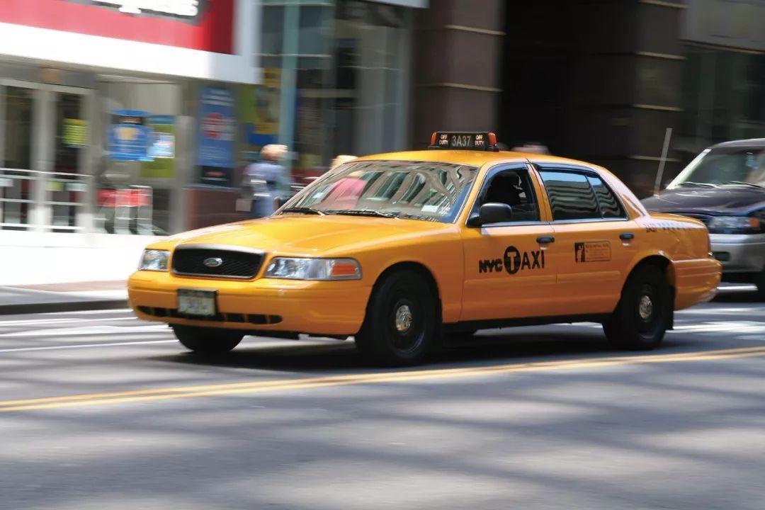 它主要用于出租车和警车的使用, 它是福特皇冠维多利亚(以下简称