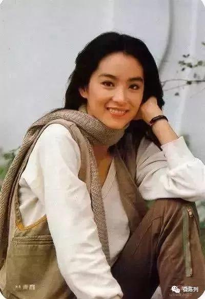 林青霞40年前的旧衣服,比你身上穿的还要时髦!图片
