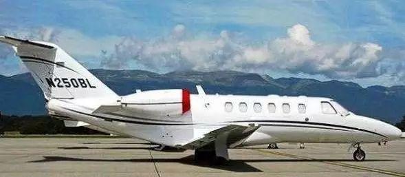 �ycj�$'ycg9��y�m�..�h�_座 飞机航程:2828 km 飞行速度:720 km/h 飞机简介 :塞斯纳525a奖状cj