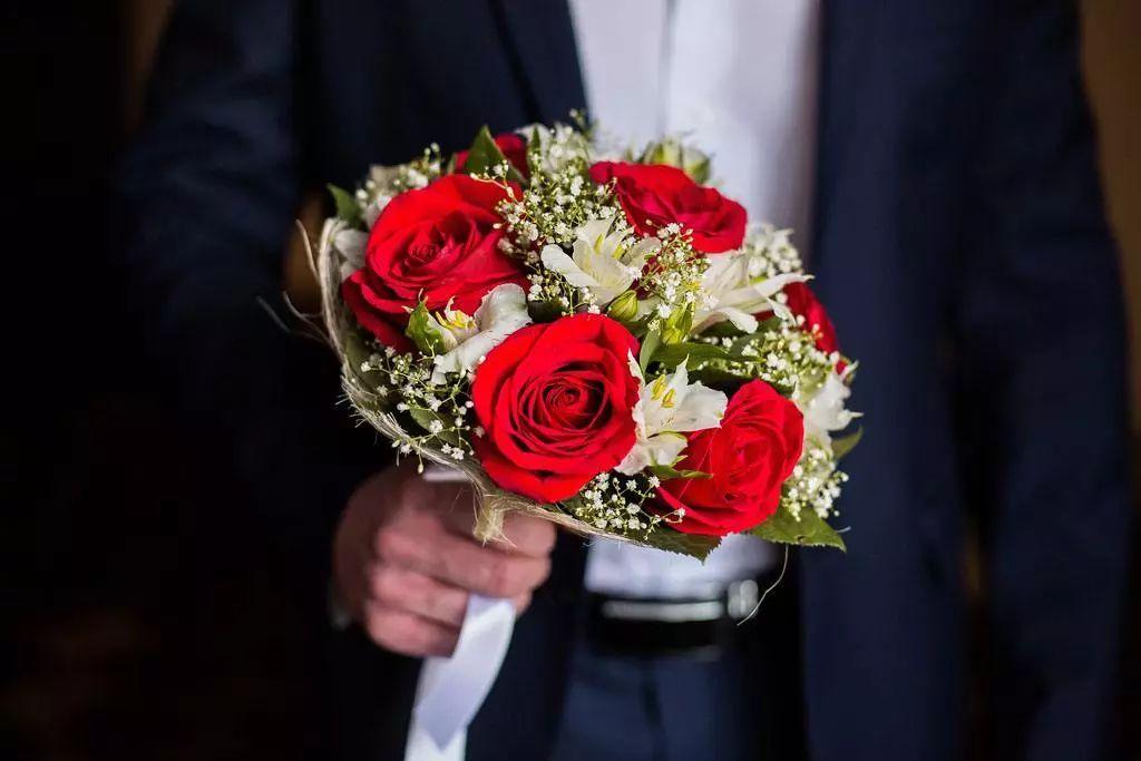 婚礼省钱攻略,慕梵婚礼为你列举了10大建议