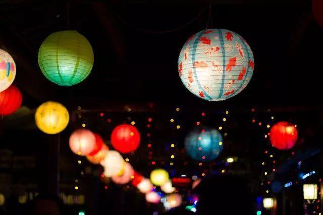 活动时间 2月25日(周日)10:00-11:30 在册志愿者 通过制作灯笼 增进图片