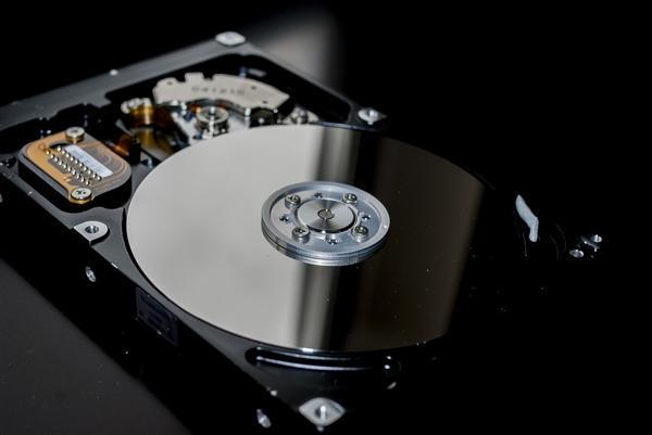 机械硬盘5年故障率报告 希捷一4TB型号数据感人