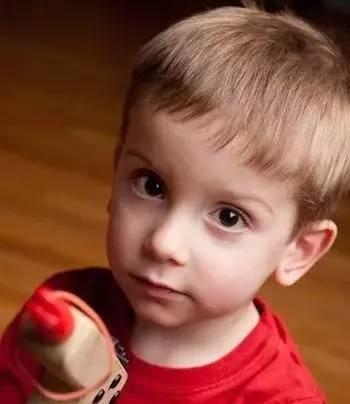 10款小男生个性帅气的梳发发型 给自己家的小宝贝梳起来吧