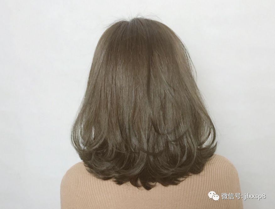 """2018流行""""齐烫发""""图片"""