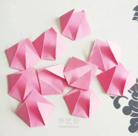 红玫瑰折纸 美丽纸玫瑰花的折法图解