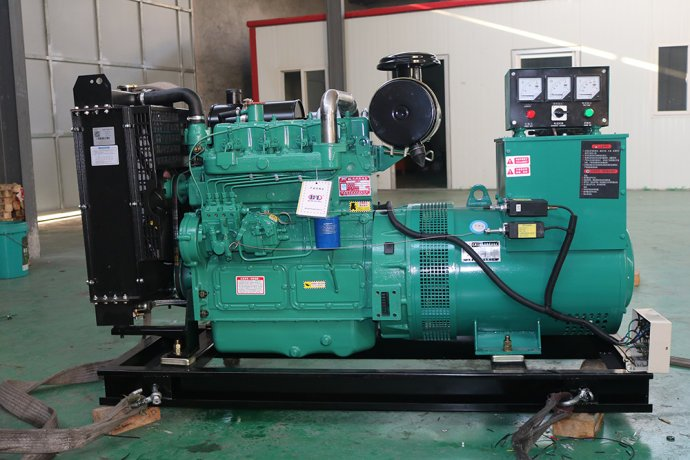 玉柴200KW柴油发电机 玉柴200KW柴油发电机价格 玉柴200KW柴油发电机 72800¥ 玉柴200KW柴油发电机技术参数 机组型号:DX150GF 常用功率(KW):150 备用功率(KW):113 机组频率:50Hz 输出电压:400/230V 转速:1500rpm 燃油耗(g/Kw*h):200(推荐使用0号柴油) 输出电流(A):1150 相数/线数:三相四线 噪声LP7m:102db 外型尺寸(mm):2400*850*1500(柴油发电机组外型尺寸以实物为准) 重量:1200Kg(柴油