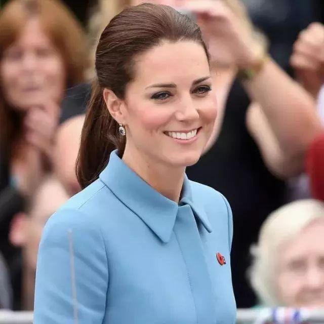 每天两勺,清肠减脂,凯特王妃大婚塑身,维密模特产后复出都吃的燕麦麸