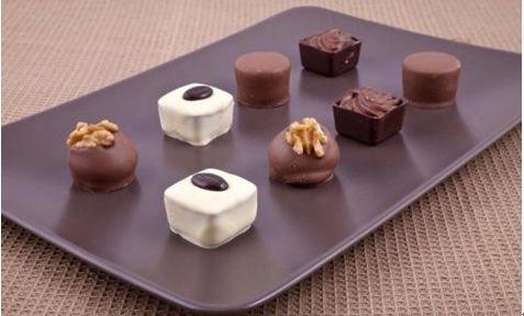 diy巧克力制作_美食 正文  小朋友是否幻想拥有巧克力工厂 小朋友制作巧克力啦 让亲