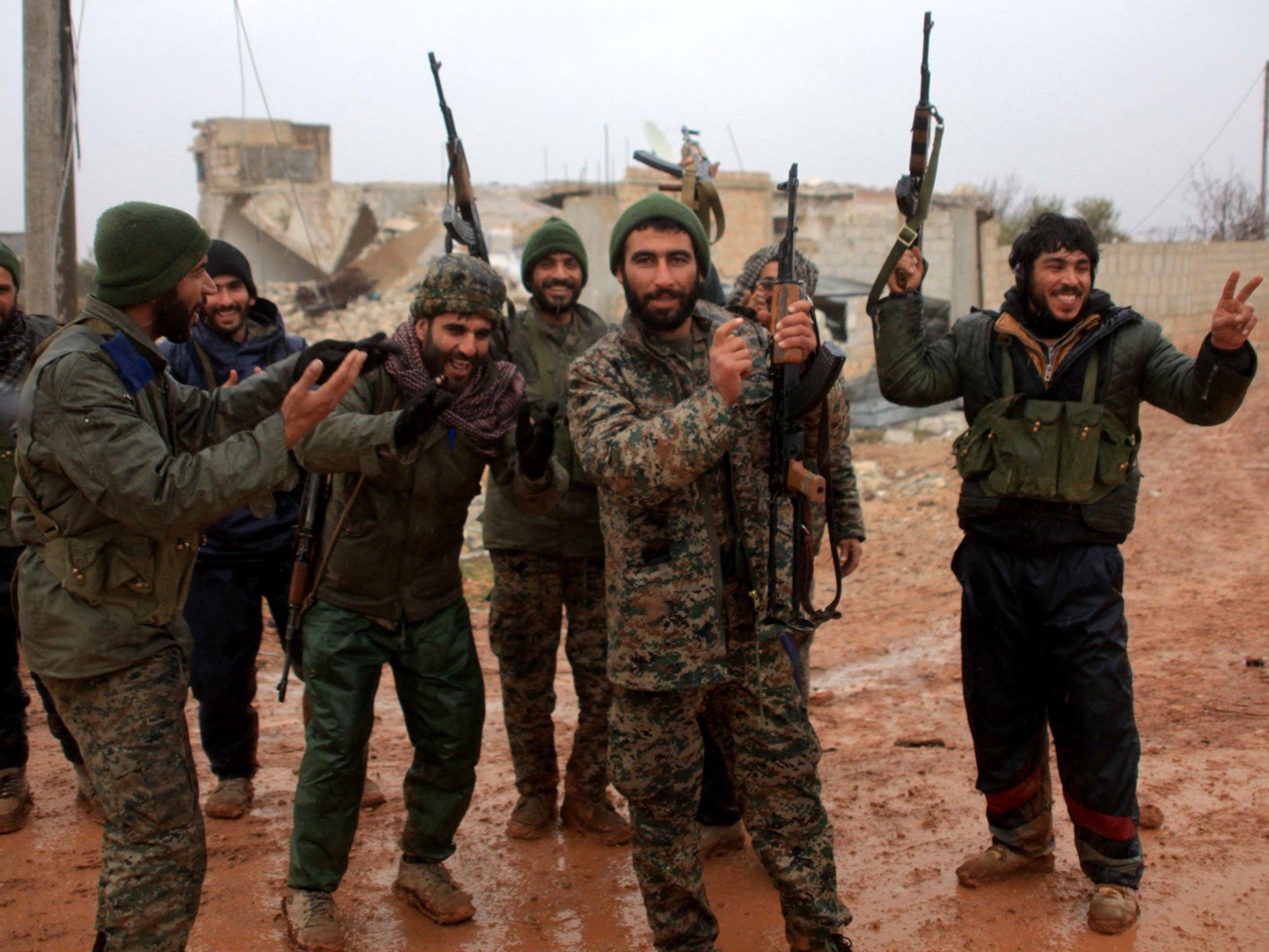 究竟是谁虐待了库尔德女兵尸体 这伙惯犯还曾有更残忍暴行