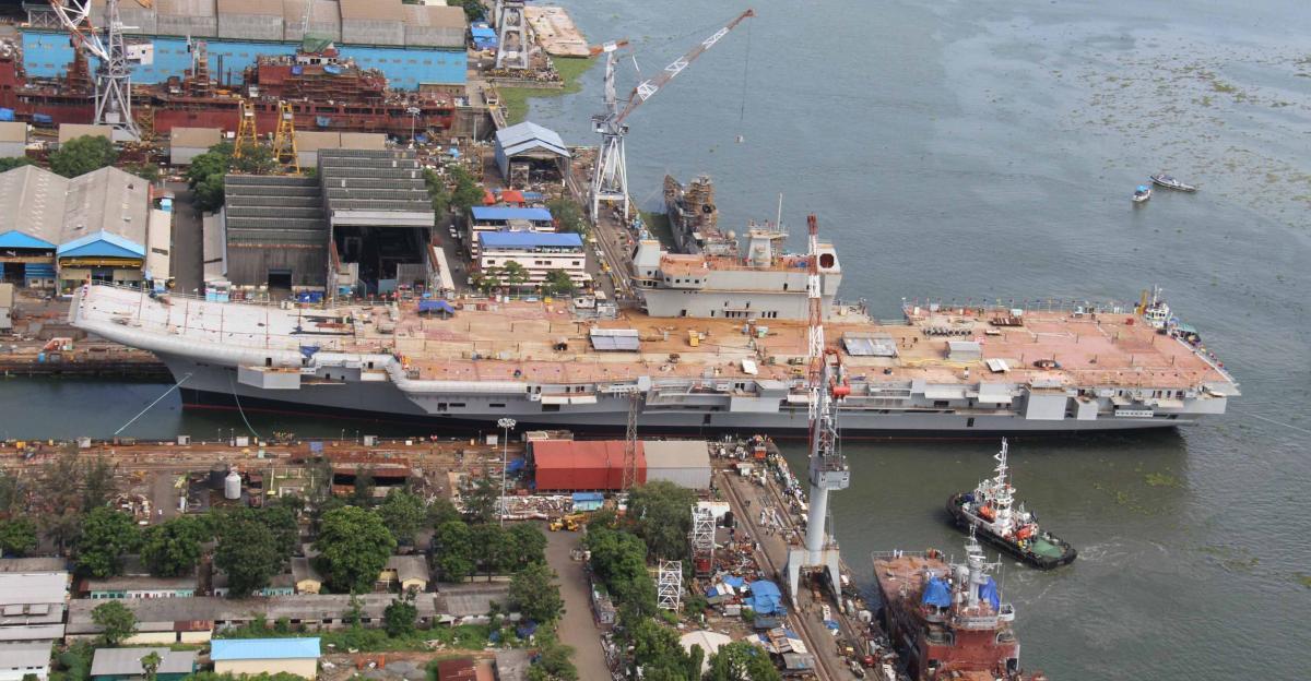这也说明,印度航空工业自研的lca光辉战机的舰载型,已经没有上舰的