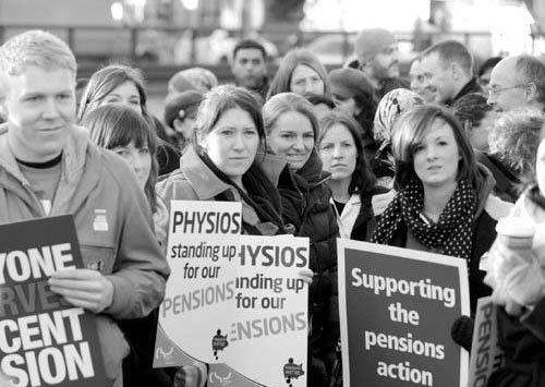 图片英国教师罢课的结果