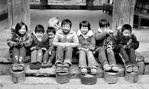 几十条教学装机成的暖手宝,编织了大半个南中国手把手温暖竹篾图片