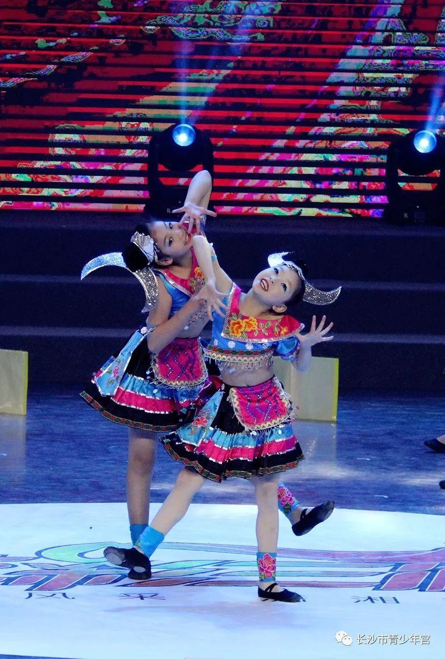 杜鹃娃舞动少年中国梦 ——小杜鹃原创舞蹈《好好学习天天向上》受邀