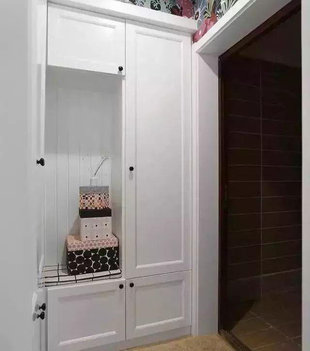 入户鞋柜要怎样设计才有格调,看看这几种美观实用的方案吧