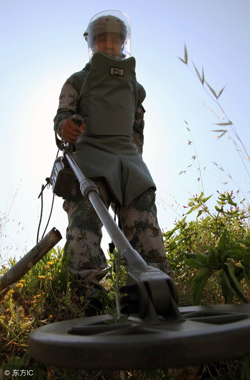 中越战争期间边境地雷泛滥,有百姓为了保护自己在... _新浪看点