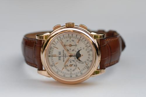 宁波手表回收公司百达翡丽手表回收价格和典当流程及情妇到案3天就把某副市长全盘供出