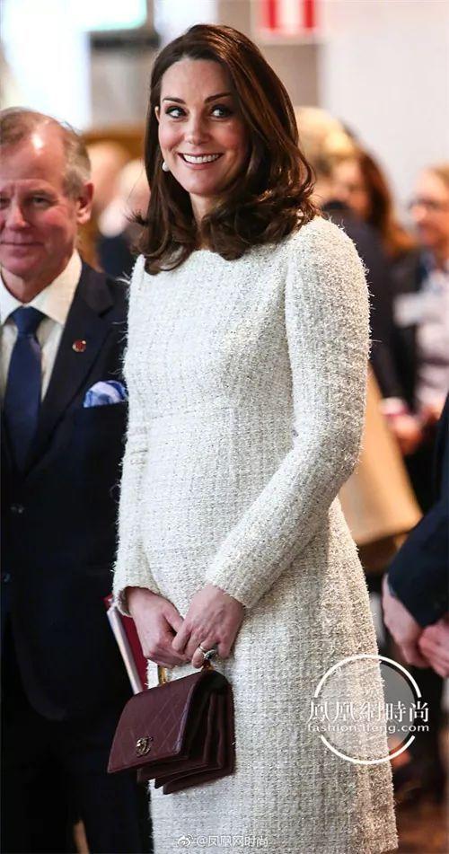 怀孕7个月的凯特王妃 裸色礼服犹如希腊女神