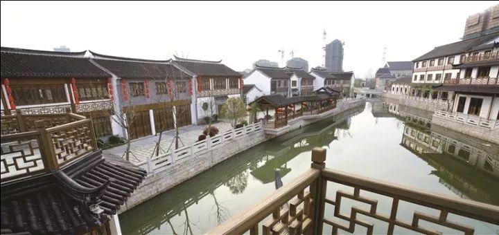旅游 正文  刚到南通,就有朋友推荐去陆洪小镇看看.