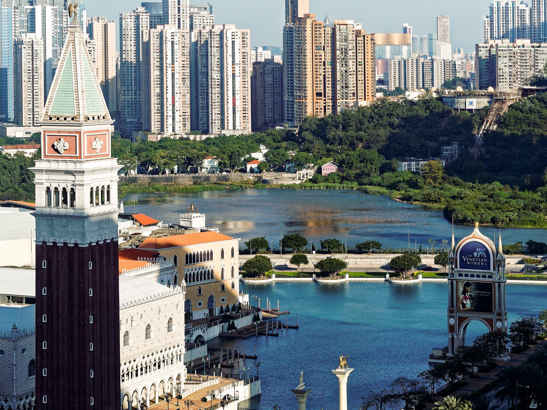 澳门的人口密度_中国评论新闻 澳门人口密 每平方公里住1.8万人