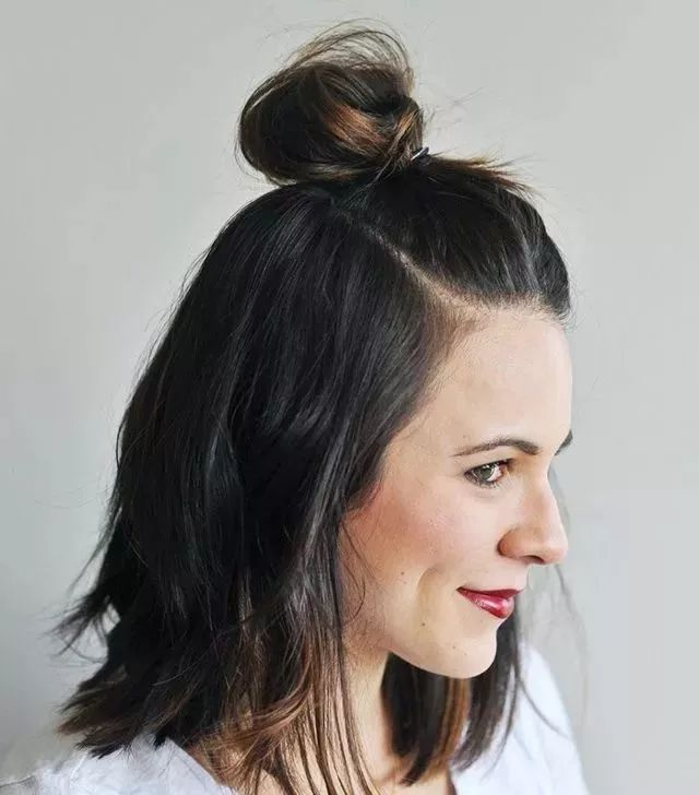 时尚 正文  是不是只要你剪了短发,就意味着你从此以后就只能一个发型图片