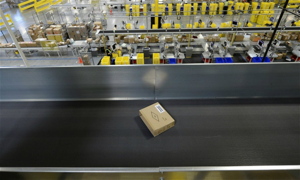岗位制造机的电商巨头亚马逊究竟是天使还是恶