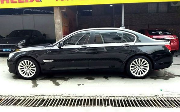 上海富商开340万的宝马760去洗车,洗车小哥的话让人忍不住笑了