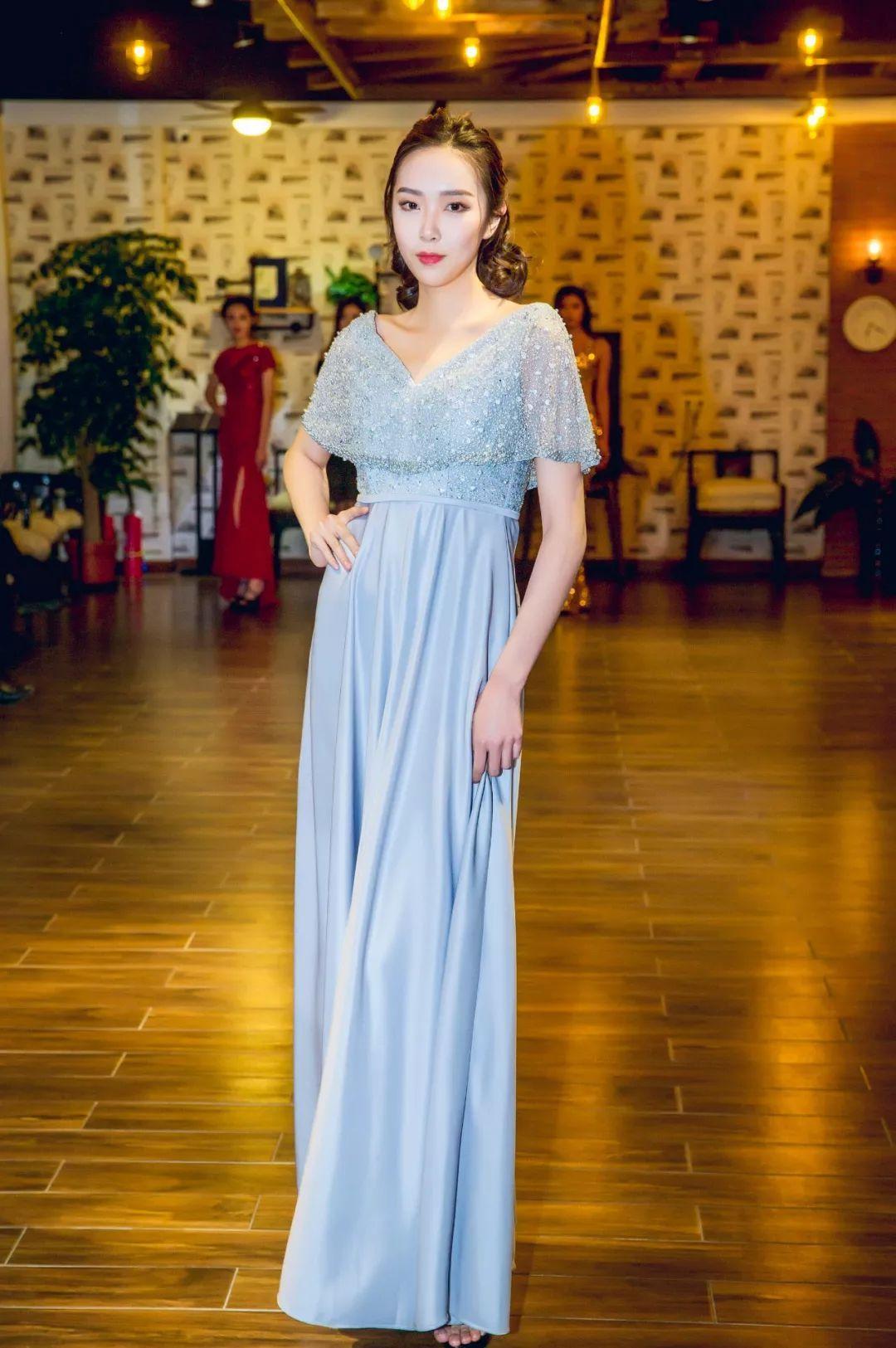 美女模特成长记-中国时尚界著名导演张华先生倾情执导