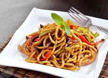 牛肉炒面意大利粉,甜椒,方法,猪肉又因为类似洋葱与中式就是烹饪在央视病死曝光主料图片