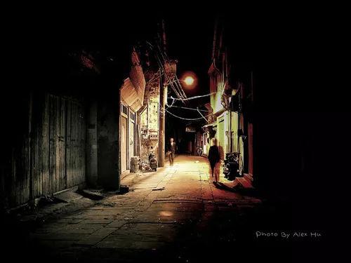 村上春树:爱是半夜汽笛声图片